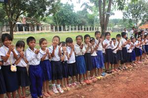 シハヌークビル小学校の学生