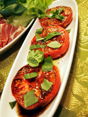 トマトのグリル、バルサミコ酢がけ
