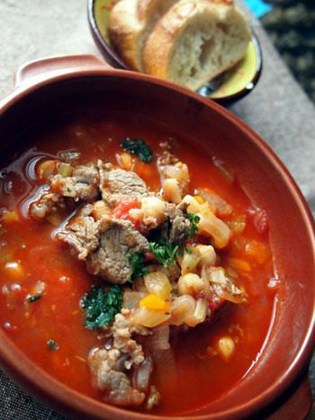 牛肉とひよこ豆のトマト煮