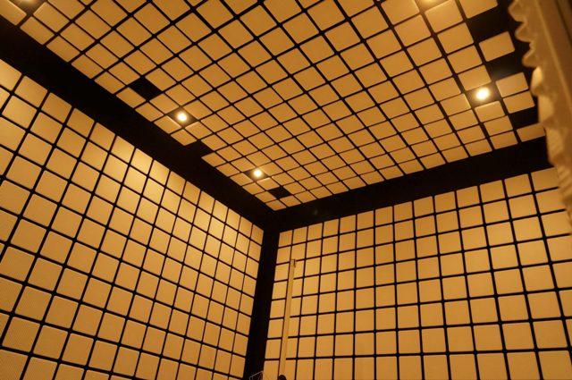 長野県工業技術総合センター精密・電子技術部門電子部の10m電波暗室