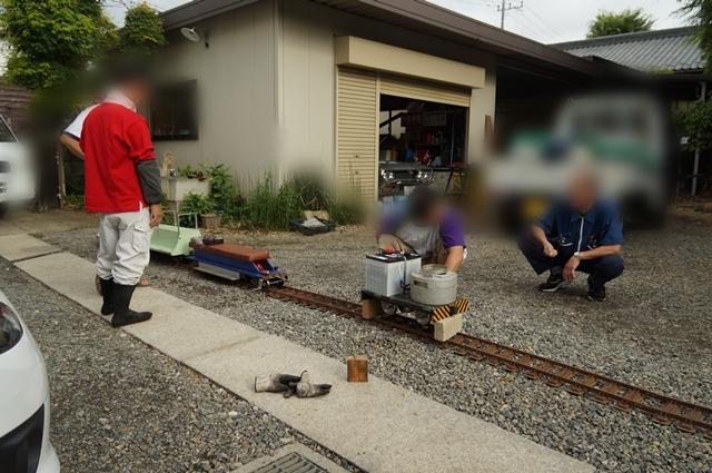 新幹線運転士さん、京王バス運転士さん、自作さん、農家のおやじ、RE人生と、2軸メカキット 2モータ2段減速とおんぼろ軌道