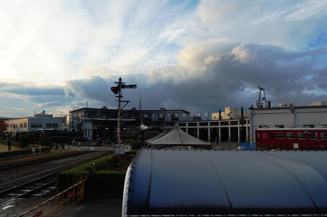 梅小路蒸気機関車館・梅小路機関区の夕暮れ前