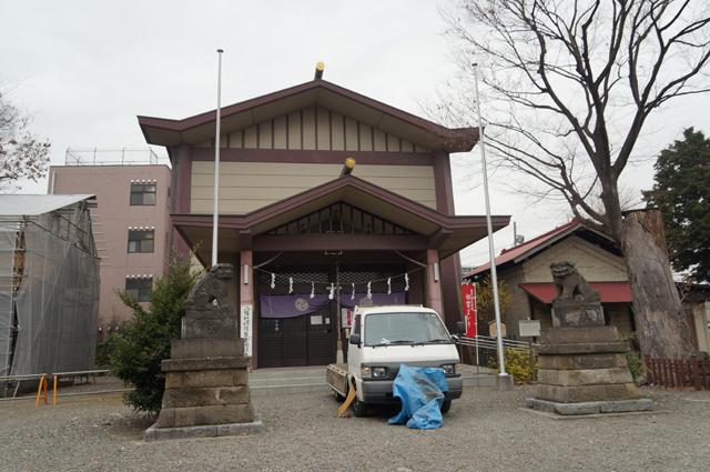 日野、八坂神社とボンゴ
