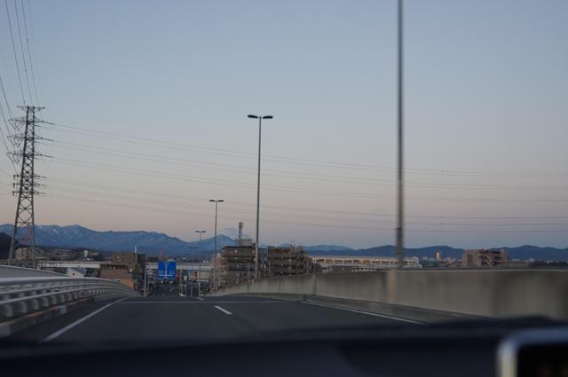 国道20号日野バイパス石田大橋より富士山を
