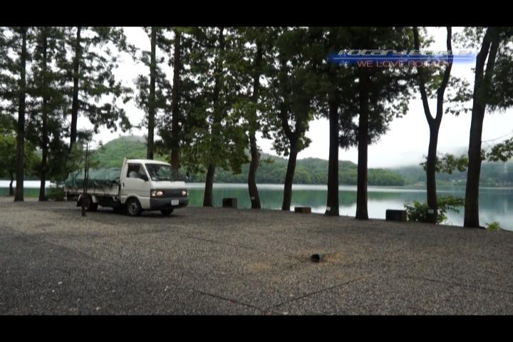 マツダボンゴトラック、木崎湖湖畔にて