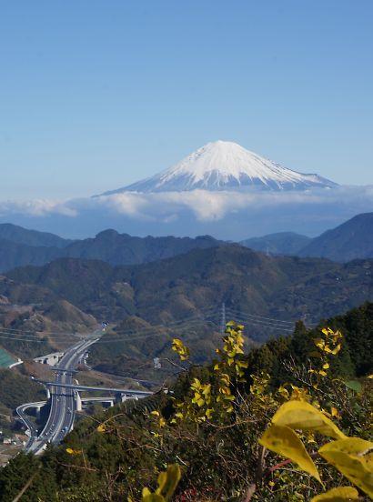 山頂からの美しい富士山-1