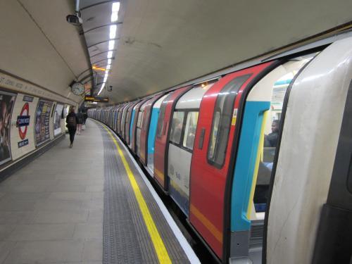 03 2013 ロンドンの地下鉄