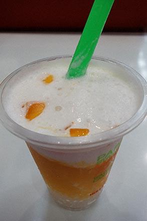 許留山(ホウライサン)のマンゴとココナッツのジュース