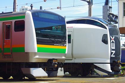 20120825 e233 e259
