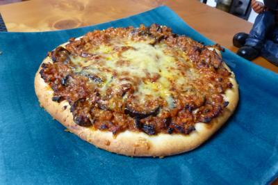 ボロネーゼピザ