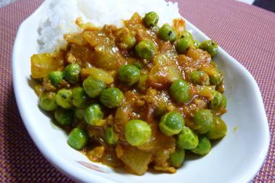ひき肉とエンドウ豆のカレー