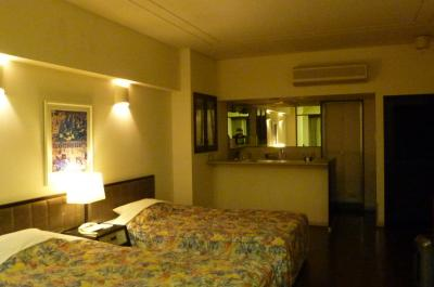 ホテルの部屋のキッチン