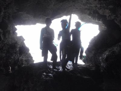 青の洞窟じゃないけど洞窟