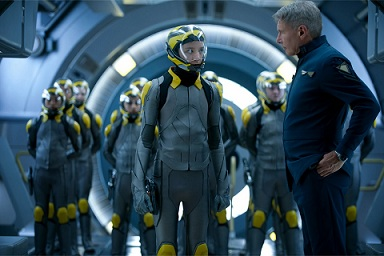 Enders_Game-Asa_Butterfield-Harrison_Ford-101.jpg