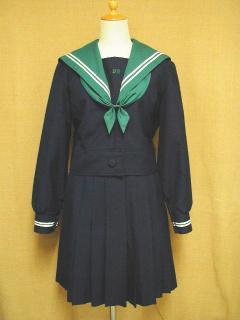 八尾東高等学校の制服