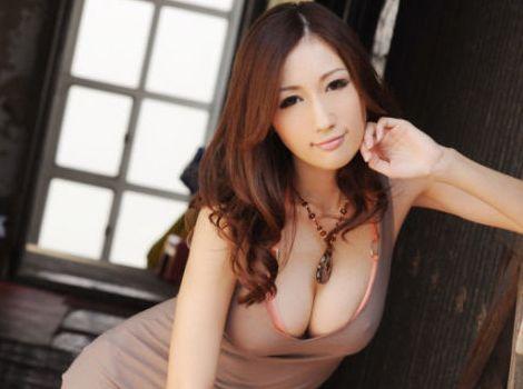 JULIA|Jカップ爆乳のクビレ美人が3Pで悶絶絶頂|動画