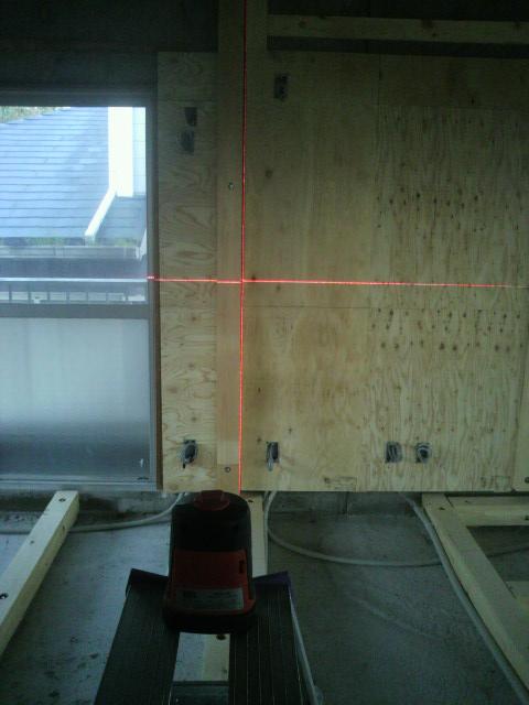 北側バックヤード間仕切り柱P1000162