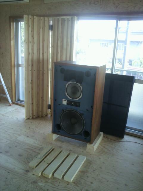 音教反射板の4月28日の設置状態P1000323
