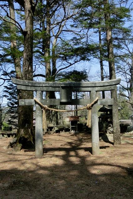 高森諏訪神社 石の鳥居