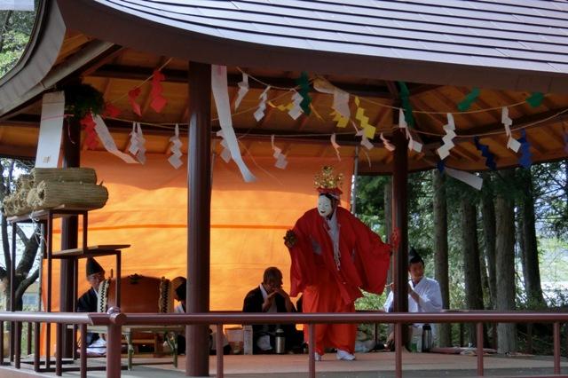 諏訪神社 春のお神楽の奉納
