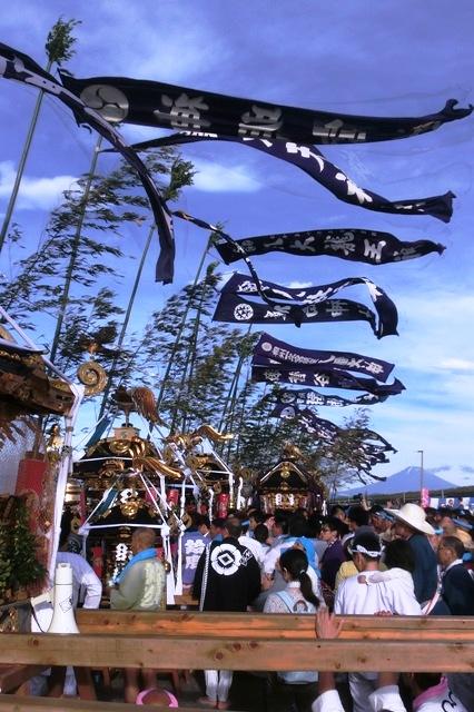 富士山と神輿