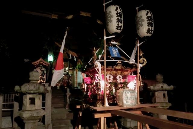 本村 八坂神社(出発を待つ神輿)