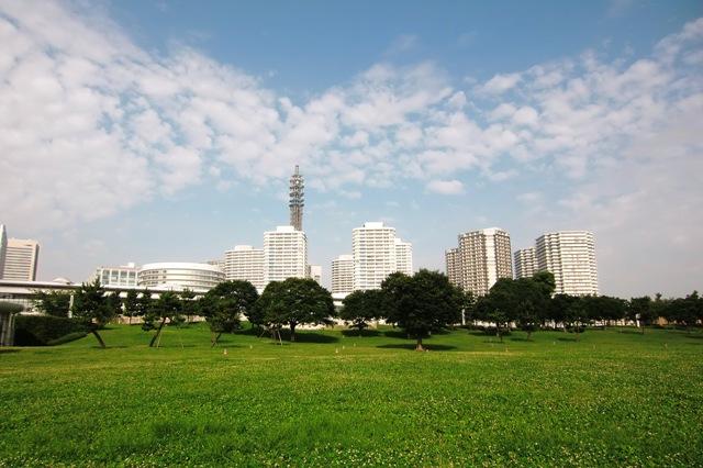 臨港パークの芝生広場