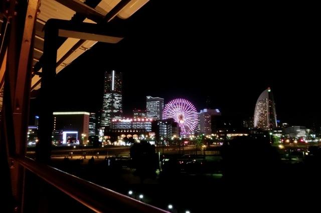 横浜赤レンガ倉庫2号館のバルコニーからの夜景
