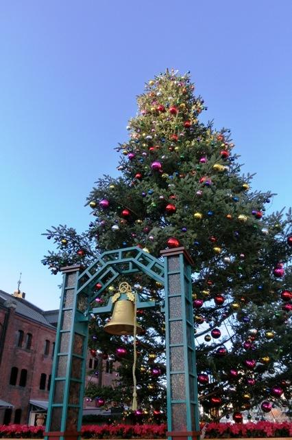 イッテQ!の巨大な鐘とクリスマスツリー