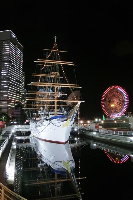 帆船日本丸のライトアップ