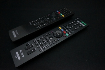 PS3_BD_remote_control_CECH-ZRC1J_017.jpg
