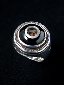 ring061_02.jpg