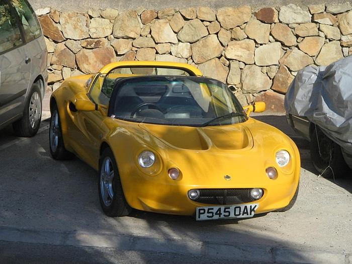 800px-Lotus_Elise_S1.jpg