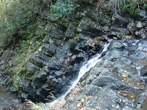 変った形の岩