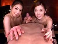 巨乳スレンダー美女のW手コキフェラ! 秋吉ひな、小川あさ美