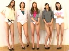 長身美女の美脚をジックリ堪能できる全裸オナニーダンス&身長差立ちフェラ&足コキ