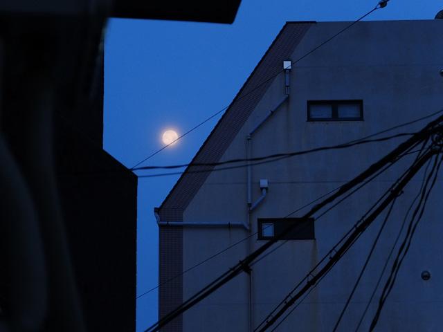 moon_705.jpg
