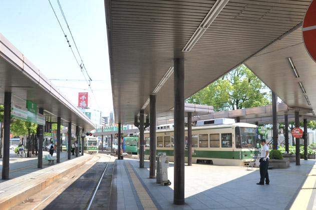 広島駅前、路面電車ターミナル