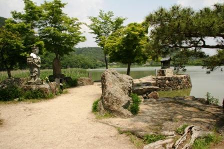 広沢池観音島_入口から_H16.10.09撮影
