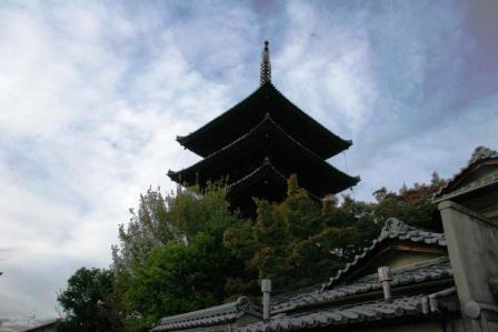 八坂の塔見上げ_H24.11.10撮影