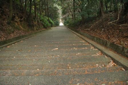 豊国廟の石段(下部)見下ろし_H24.12.08撮影