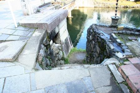 渡月小橋の石段上から H24.11.10撮影