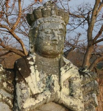 広沢池の千手観音石像_H24.12.23撮影