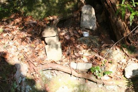 御室八十八か所岩本寺前の石仏_H25.3.16撮影
