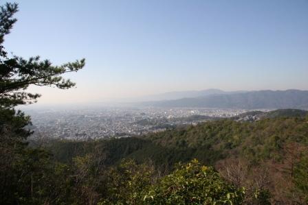 成就山頂から見える京都市街_H25.03.16撮影