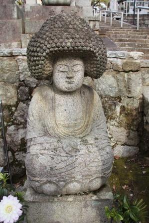 黒谷墓地のアフロ石仏_H25.03.17撮影