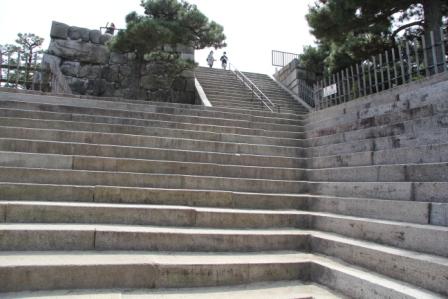 二条城天守へ登る石段_H25.03.17撮影