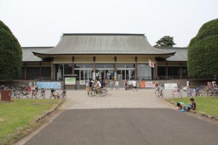 江戸東京たてもの園ビジターセンター_H25.06.09撮影