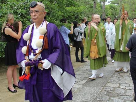 お練り行列・山伏から僧侶へ H25.06.15撮影