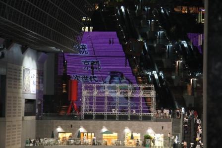 京都駅大階段のイルミネーション_H25.06.15撮影